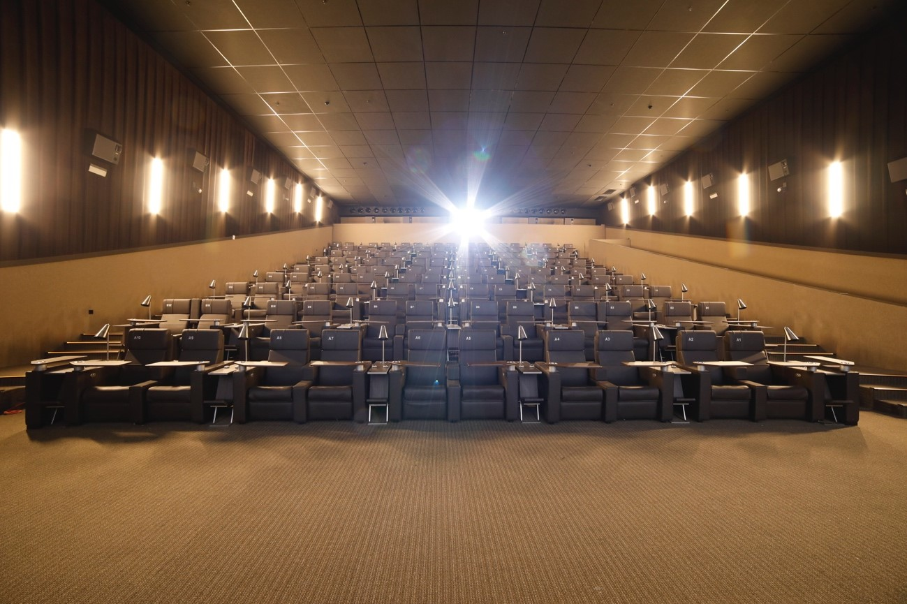 una nueva forma de ir al cine yelmo cines plaza norte 2